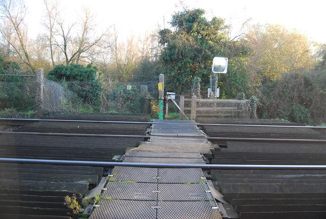 Level crossing, Walnut Tree Lane