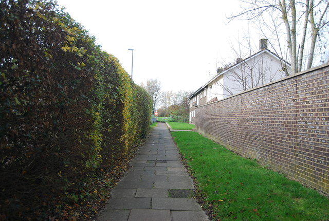 Path at the end of Thatcher Close