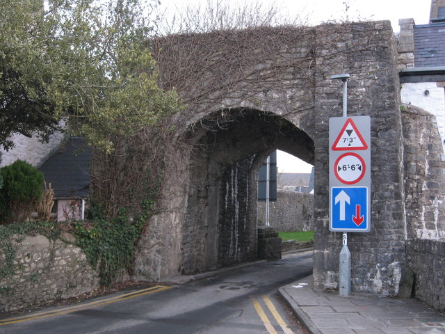 South  Gate, Cowbridge