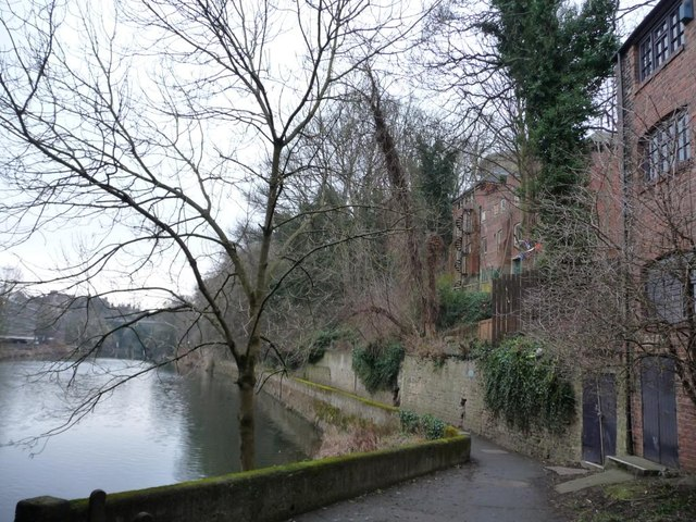 Riverside path downstream of Elvet Bridge