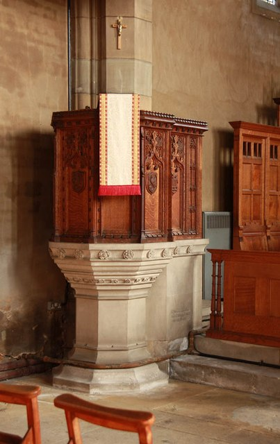 St Barnabas, Gorringe Park Avenue, Mitcham - Pulpit