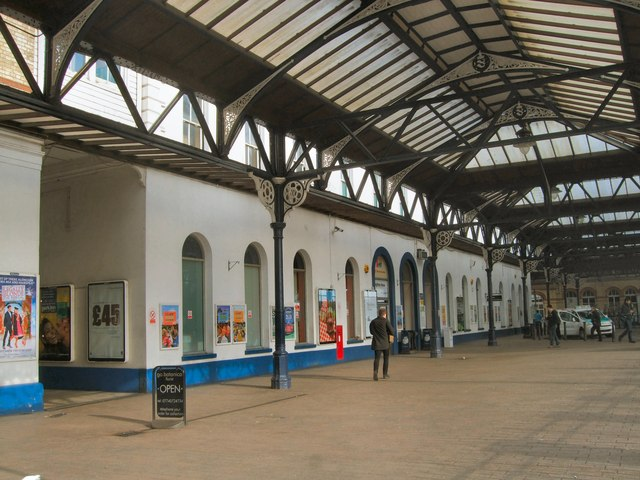 Front of Brighton Station