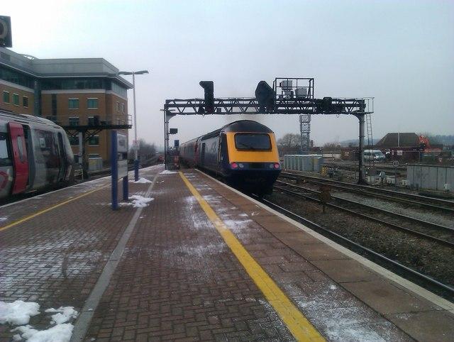 Western end of Platform 7, Reading Station