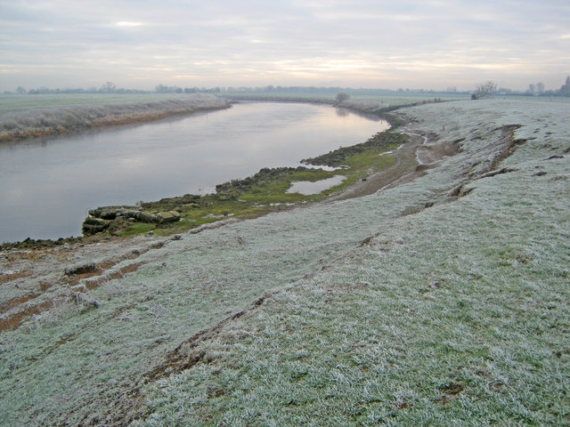 Frosty banks of the Trent