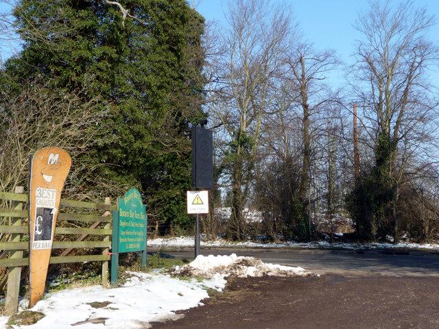 Entrance to Botany Bay Farm, The Ridgeway, Enfield