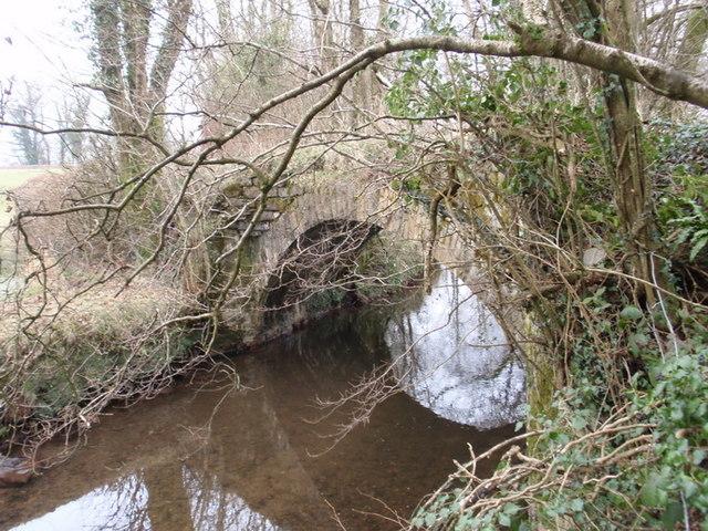 Pont yn Llandybie / Bridge in Llandybie