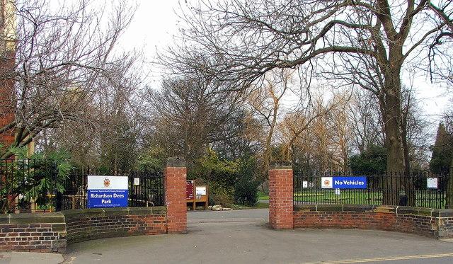 Entrance to Richardson Dees Park