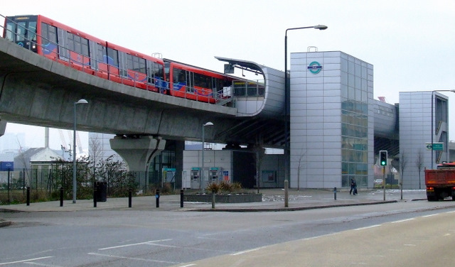 West Silvertown DLR station