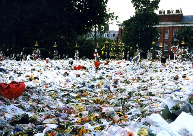 Floral tributes at Kensington Palace