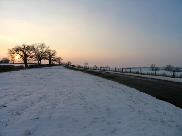 Oakham Road towards Knossington