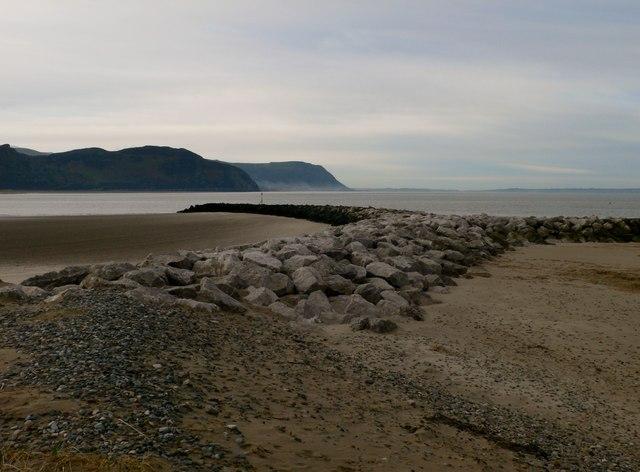 Fish-tail groyne between Deganwy and Llandudno