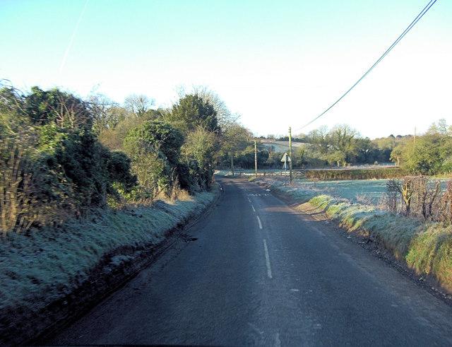Minor road junction in Cole Henley