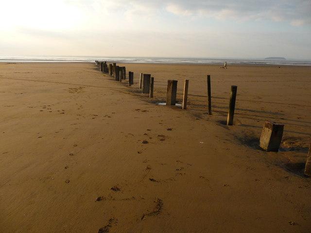 Berrow - Beach Divider