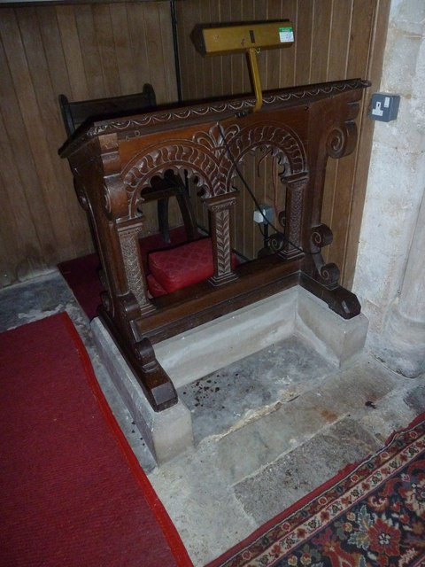 A late November visit to St Nicholas, Newnham (30)
