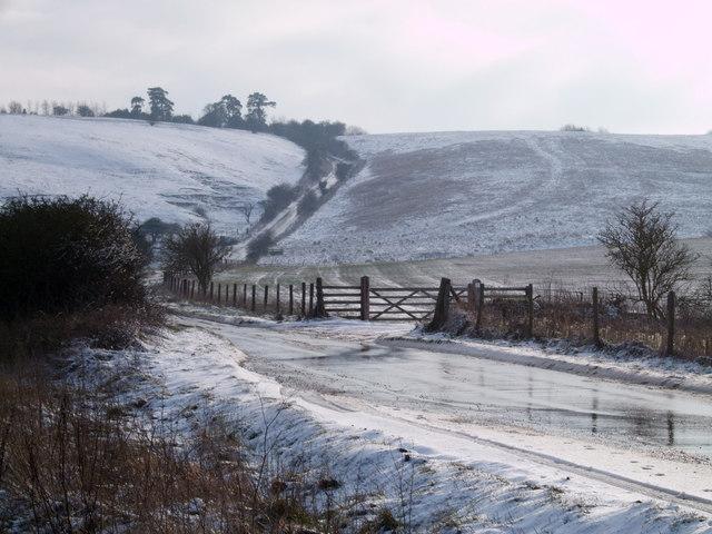 Road to Barbury Castle