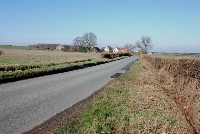 Looking to Fighting Cock's Farm on Cartersfield Lane