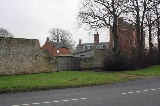 Stanford House and Stanford House Farm entrance
