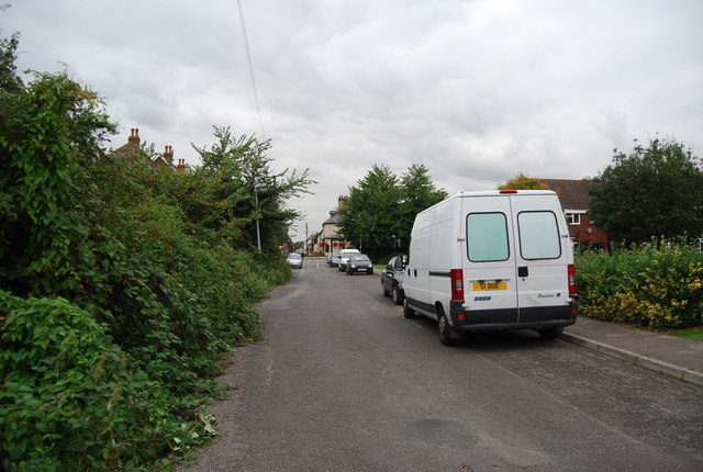 Hall Rd entering Wouldham