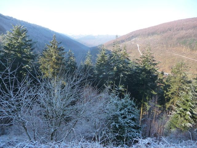 Above Cwm Gwyddon in winter