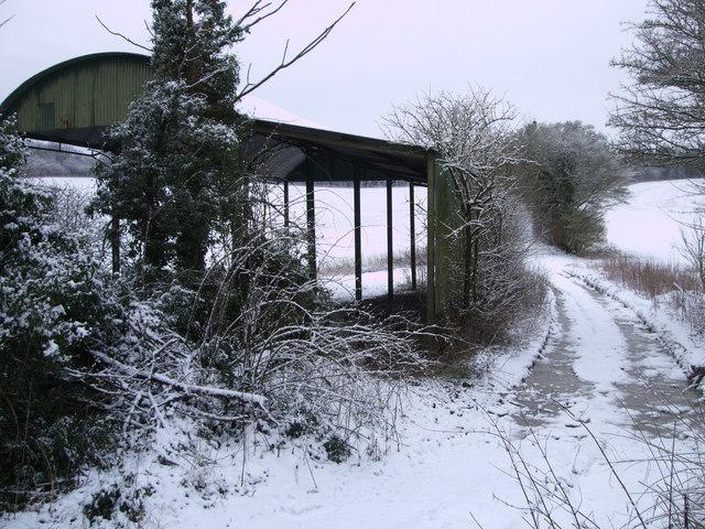 Barn on byway to Woodlands Farm