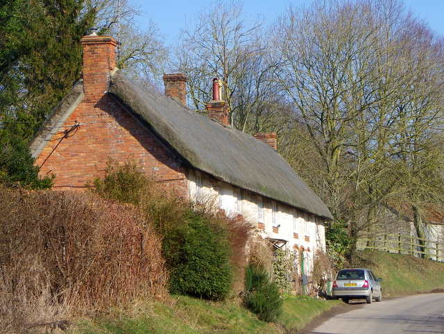 Thatched cottages, Fifield Bavant