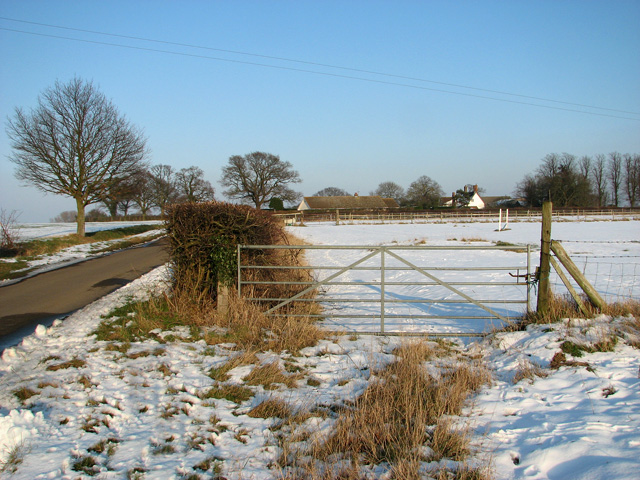 Pasture gate by Coles Green Farm