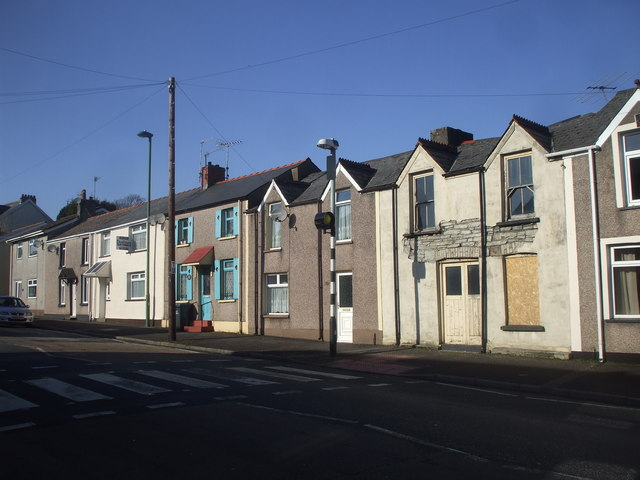 Houses in King St, Brynmawr