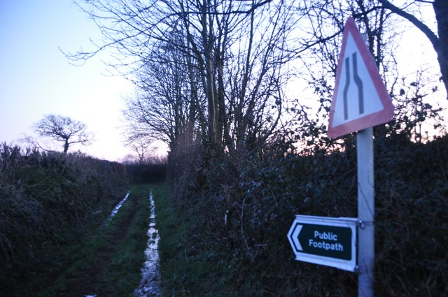 Mid Devon : Muddy Footpath & Sign
