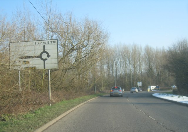 B376 at Hythe End