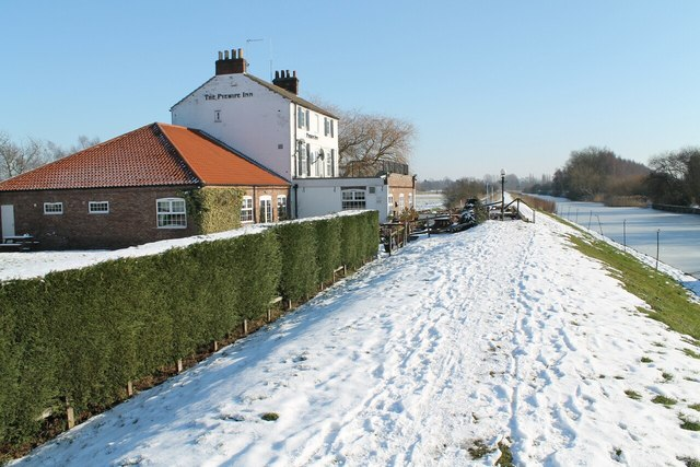The Pyewipe Inn and Frozen Fossdyke Canal