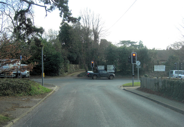 B4015 junction with A415