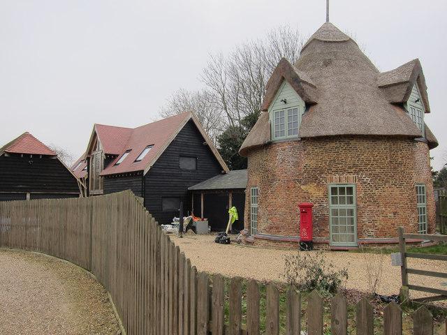 Strange round house in Little Thetford