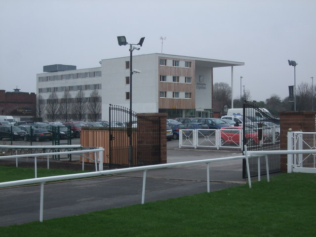 Holiday Inn Express Chester Racecourse