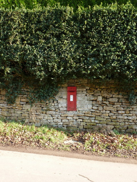 Trent: postbox &#8470; DT9 34