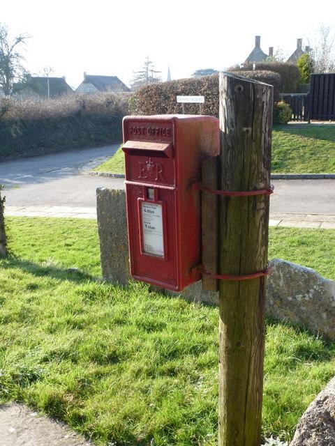 Trent: postbox № DT9 39