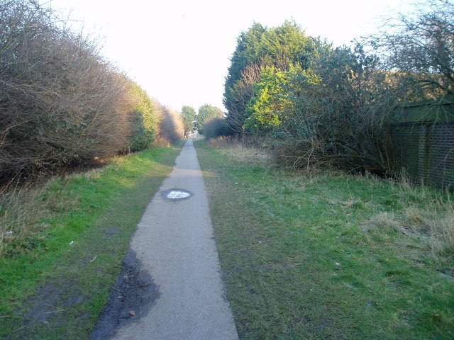 Mid section of Barrington Road path