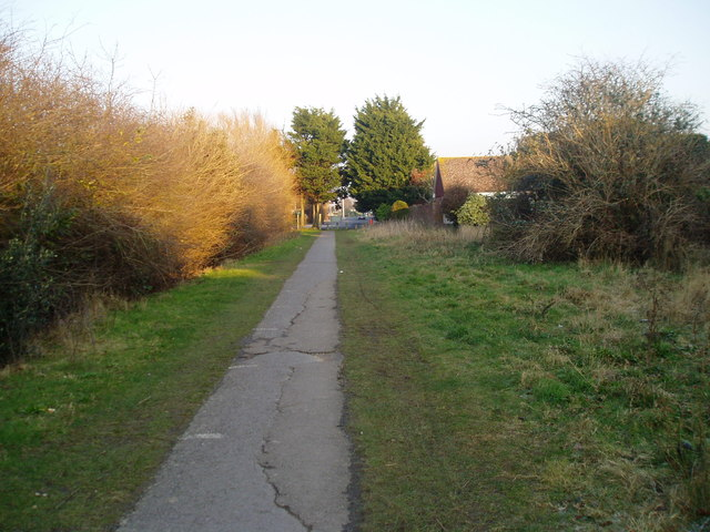 Eastern section of Barrington Road Path