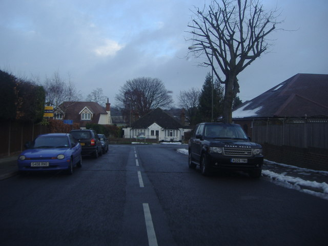 Avalon Road at the junction of Chelsfield Lane
