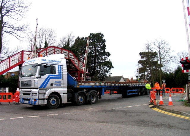 Rail Action at Oakham 02:Blocked level crossing