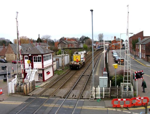Rail Action at Oakham 03:Crane arriving