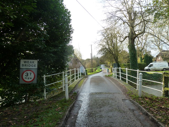 Approaching the weak bridge from the east