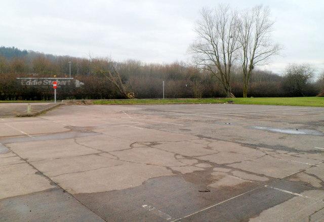 Parking area, Raglan Service Station