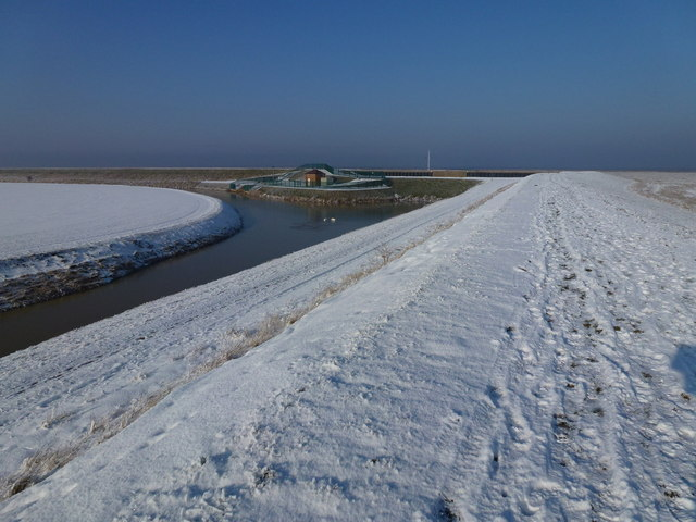 The Wash coast in winter - Lawyer's Creek and  snow covered sea bank