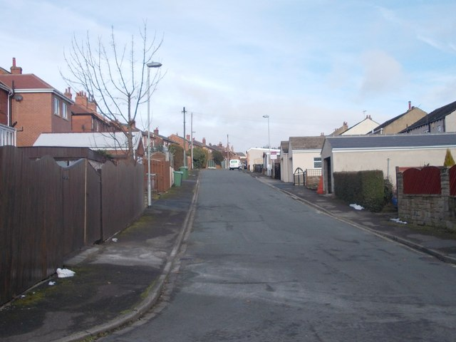 Greenroyd Avenue - Green Lane