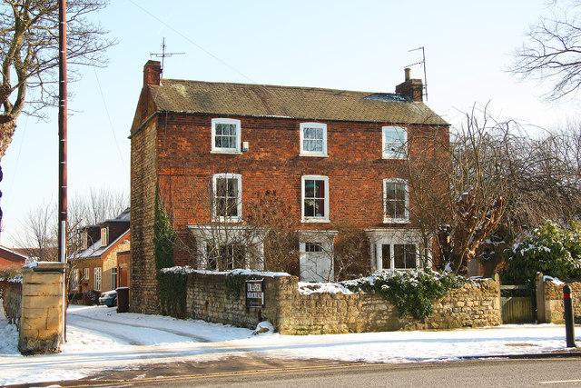 Newport Manor
