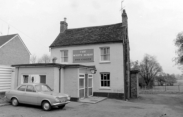 The White Horse, Harlowbury