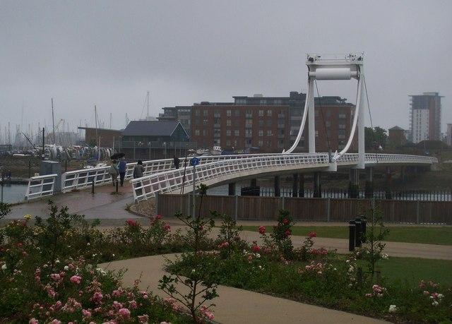 Bridge 02.08.08 - from block of flats