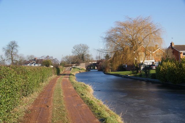 The Staffordshire and Worcestershire Canal approaching Acton Bridge