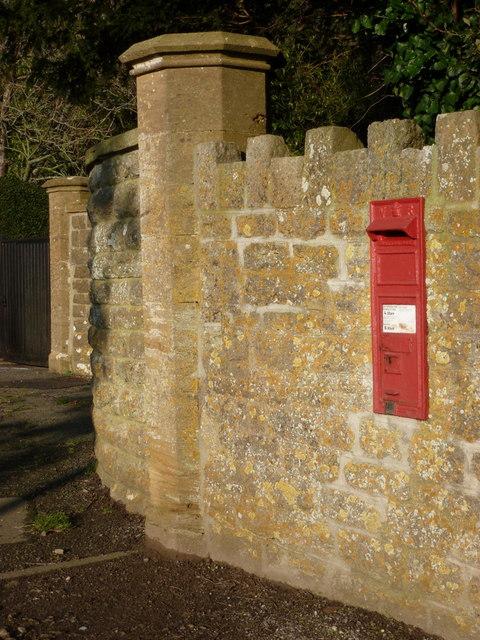 Haydon: postbox № DT9 8