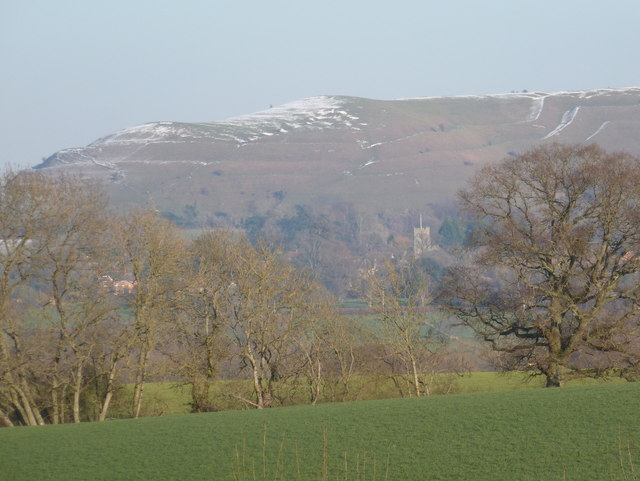 Shillingstone: a field and the slopes of Hambledon Hill